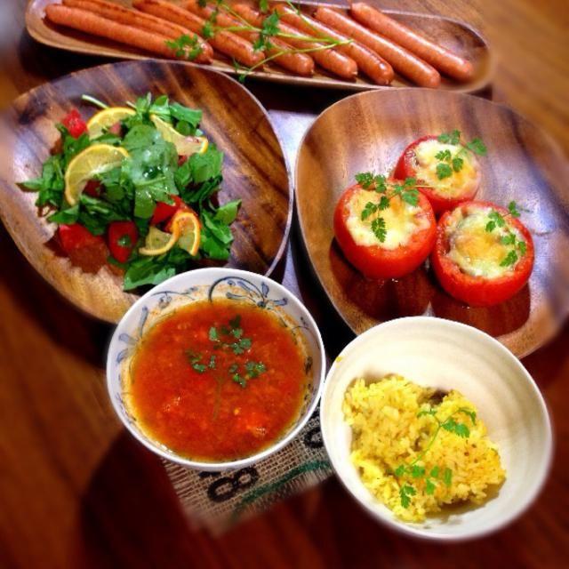 トマトとルッコラのサラダ トマトカップ トマトスープ パエリア めんたいパークの明太ソーセージ - 142件のもぐもぐ - トマト祭り by ファンメイ❀