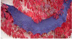 """Designerin: Die große Schwester """"Colchicaceae"""" und """"Liliceae"""" entworfen und gestrickt für meine große Schwester Eva. Material: 4 Knäuel Tupa von Mirasol Farbe 809 (Lauflänge 50g = 125 m) 4,5 mm Na..."""