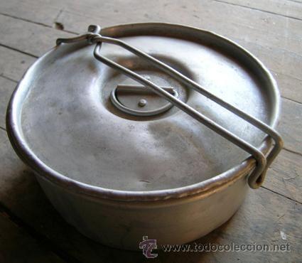 Antigua fiambrera aluminio picnic - Redonda -- 16,5cm diámetro x 7cm -- Años 50