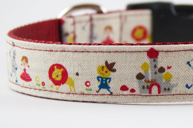 The Wizard of Oz Dog Collar by SillyBuddy on Etsy, $27.00