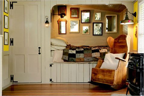 cozy spot: Cabin, Cozy Nooks, Idea, Rocks Chairs, Bednook, House, Beds Nooks, Guest Rooms, Built In Beds