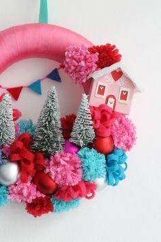 Pom Pom Christmas wreath - Lotts and Lots