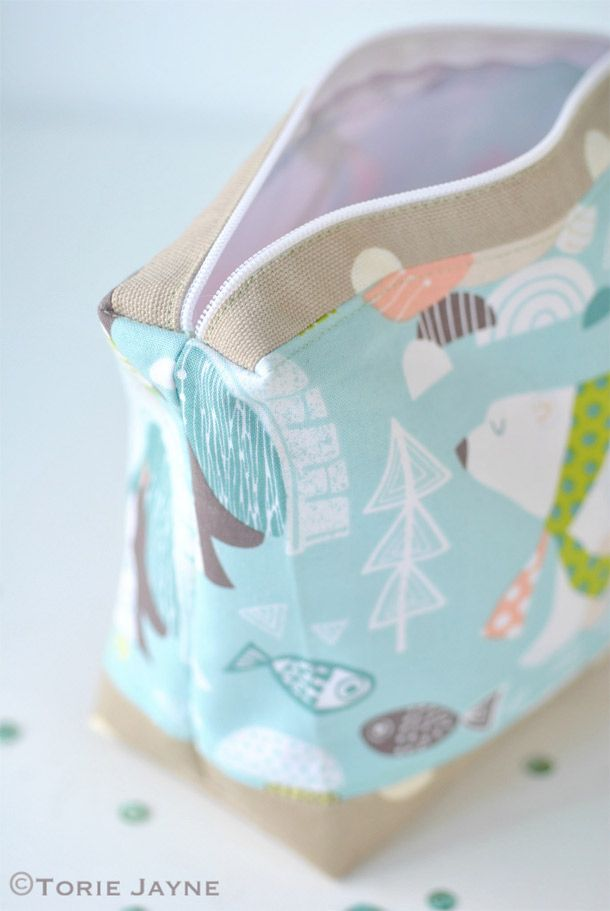 I lined the wash bag with a waterproof lining and used a oilcloth fabric for the base so that it was super practical!