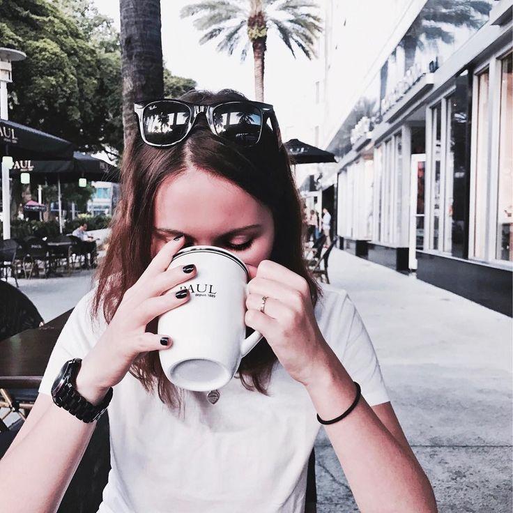 """Juna on Instagram: """"Keep on sippin' ☕️ Как фотографируется человек с сааамую малость обгоревшим лицом 👹 #летоже Раньше думала, что у меня какая-то супер…"""""""
