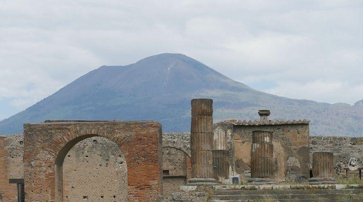 #pompeje #cowydarzyłosięwpompejach http://lacina.globalnie.com.pl/co-wydarzylo-sie-w-pompejach/