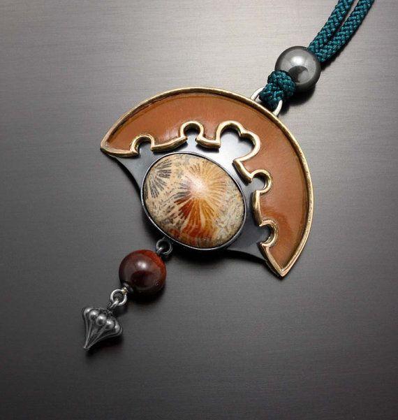 Fossil coral arch pendant of Japanese style by KAZNESQ on Etsy,(C)Kazuhiko Ichikawa