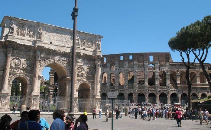 Colosseum si Arcul lui Constantin, Roma