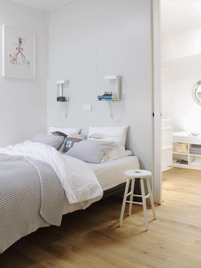 bedroom of our houseboat Jolie - waterloft.nl