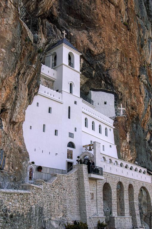 Монастырь Острог, Даниловград, Черногория Ostrog, Montenegro