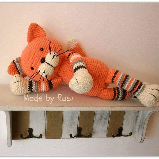 #crochetcat #crochettoys #crochet #amigurumi #rusidolls #madebyrusi