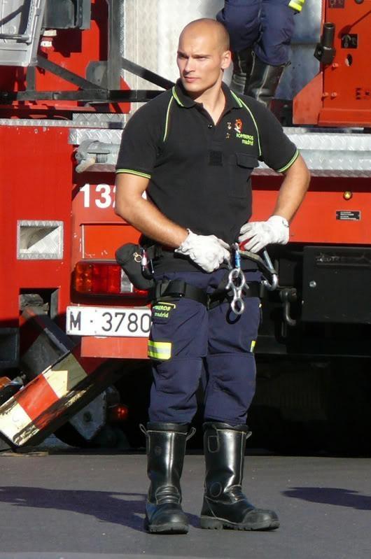 Pin by L'anthophile on ╙ Uniforms | Men in uniform, Hot ...
