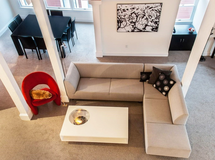 Our friendly clients from Valley City in #Ohio have just sent us several #photos of the #Coffee Fire Long bioethanol #fireplace by Planika. The photos were taken in their private residence in the USA. We absolutely love the apartment, the Christmas tree, the colours and of course the fireplace, adding warmth to the interior.