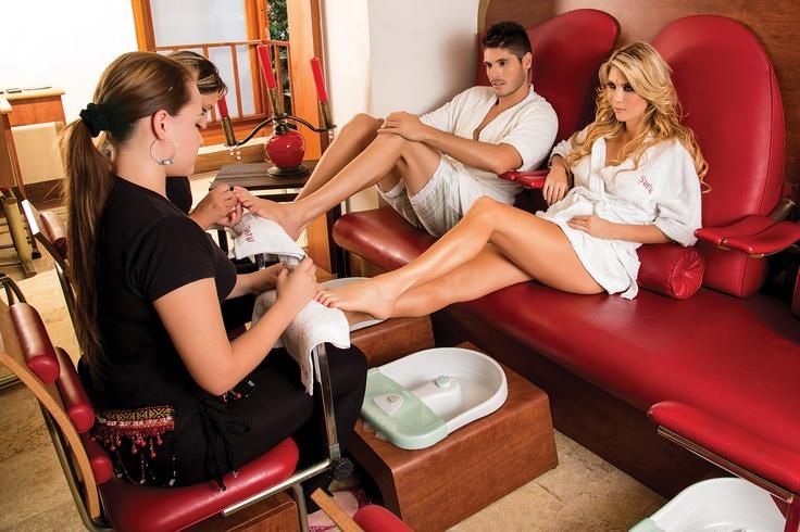 Manicure y pedicure reflexologia coctel de bienvenida for Sillas para manicure y pedicure bogota