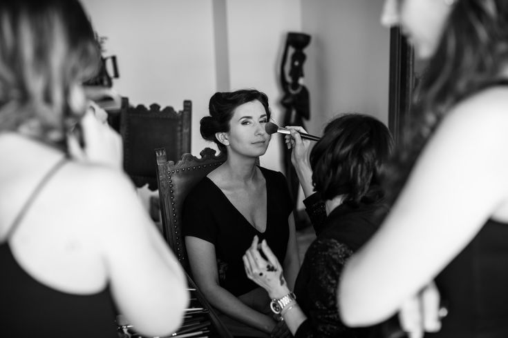 Shot during the getting ready for a wedding. She looks like a queen, doesn't she?  #gettingready #wedding #hochzeit #weddingphotography #hochzeitsfotos #hochzeitsbilder #bride #braut #beautiful #schön #makeup #makeover #itsalrightma