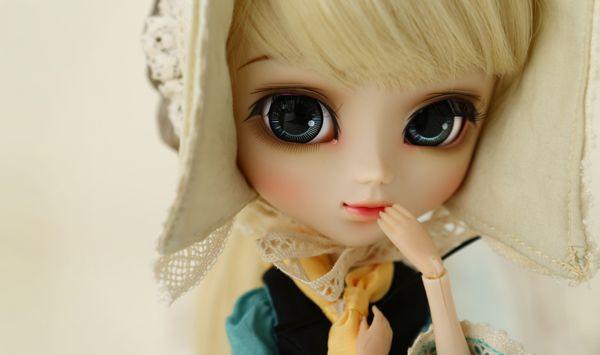 Dahlia Cinderella Pullip doll