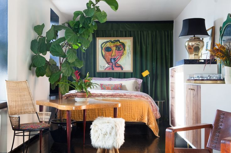 Make Curtains The Backdrop For Your Global Art - ELLEDecor.com