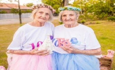 """Brezilyalı ikiz kardeşlerden 100 yaşına özel fotoğraflar   Galeri - Kadın ve Kadın Sitemize """"Brezilyalı ikiz kardeşlerden 100 yaşına özel fotoğraflar   Galeri - Kadın ve Kadın"""" konusu eklenmiştir. Detaylar için ziyaret ediniz. https://8haberleri.com/brezilyali-ikiz-kardeslerden-100-yasina-ozel-fotograflar-galeri-kadin-ve-kadin/"""
