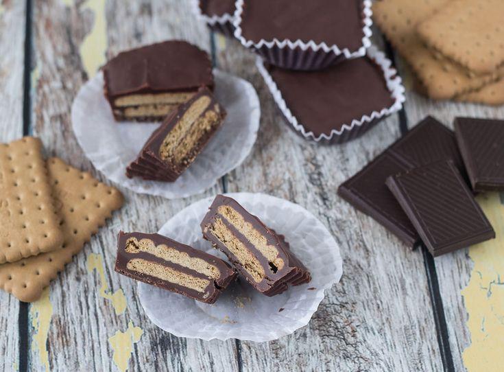 Recipe for Mini kiksekage (Danish chocolate biscuit cake)