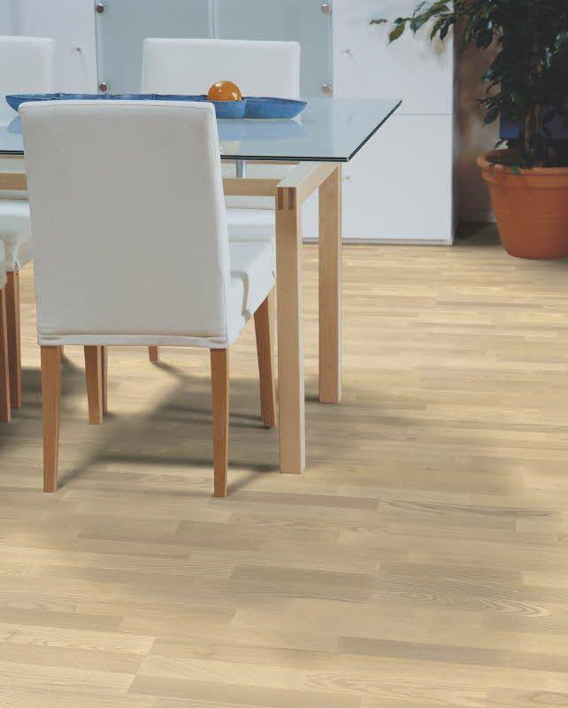 Polarwood parketti, Ash Natur Whitematt, 3-s. Paksuus 14mm, soveltuu lattialämmityksen kanssa. Värisilmä, www.varisilma.fi