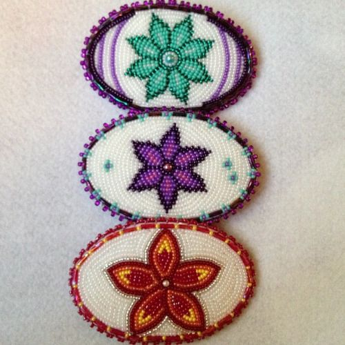 Small #beaded #barrettes #flowers #beadwork #alaskan #athabascan #native #livmariebeads #beaduniverse