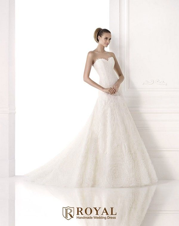 Perfect  Royal handmade wedding dress Pronovias MAIVE