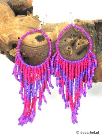 Paars roze kraaltjes oorbellen (hanger) voor maar 4,95 per paar bij Deoorbel.nl Paarse oorbellen