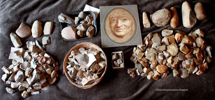 collecte année 1970, néolithique: ébauche hache polie, polissoirs, percuteurs, silex....  et une repro de L'illustration de 1933 http://simplelocataire.blogspot.fr/2016/06/masque-de-la-tour-par-lui-meme-et-cinq.html