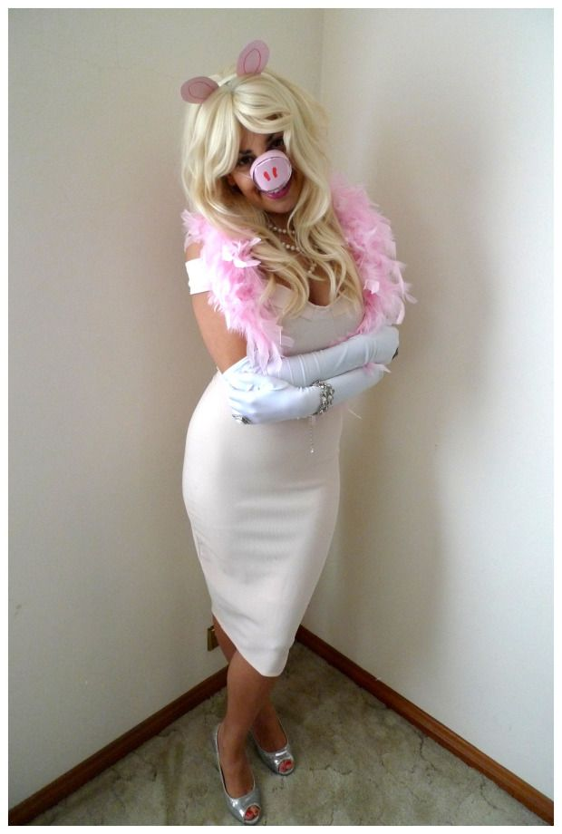 Day 247: Miss Piggy #Pig Day #costume. Theme Me is a blog that follows a personal challenge to dress to a different theme every day for a whole year.