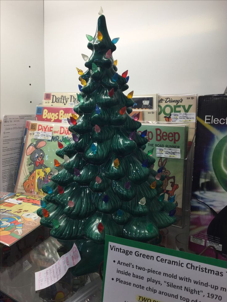 Big Vintage Green Ceramic Christmas Tree Is 20 Inche High And Is 2 Piece It Sits On A Music Box Base That Pla Ceramic Christmas Trees Green Ceramics Christmas