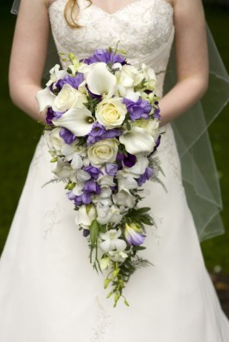 89 best Teardrop and shower wedding bouquets images on Pinterest ...
