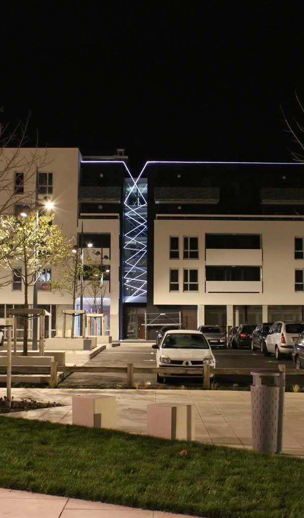 Projet  Coup de Foudre. Bâtiment  ConfidenCiel. Concepteur  COBALT. Décines & 752 best LIGHTING DETAILS images on Pinterest | Architecture ... azcodes.com