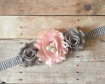 Artículos similares a venda recién, venda de la muchacha bebé, niño venda, venda luz arco rosa y perla, pinza de pelo, arcos del día de San Valentín en Etsy
