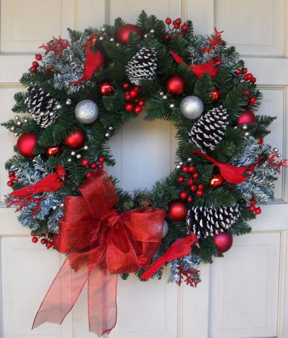 "NEW DESIGN 2013 - Beautiful 25"" Red Cardinal Bird Traditional Style Christmas Wreath"
