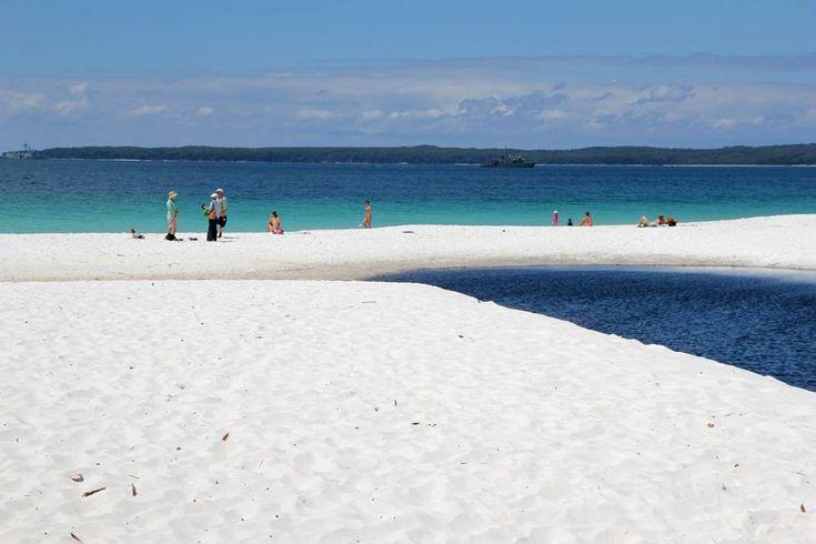 Η παραλία Hyams Beach της Αυστραλίας έχει αναγνωριστεί από τα ρεκόρ Γκίνες ως η πιο λευκή, αμμώδης παραλία που υπάρχει στον κόσμο.