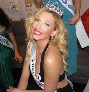 La sannita Elena Santoro, una bionda dagli occhi azzurri, è la nuova Miss Mondo Campania, qualificata di diritto per le finali nazionali di Gallipoli in programma dal 28 maggio all'11 giugno. #Montesarchio #Benevento