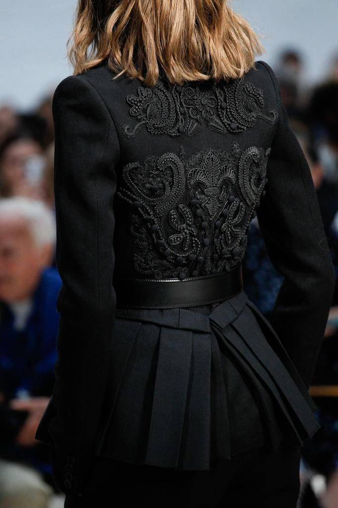 Vera Wang Spring 2015 Ready-to-Wear - Details - Gallery - Look 26 - Style.com