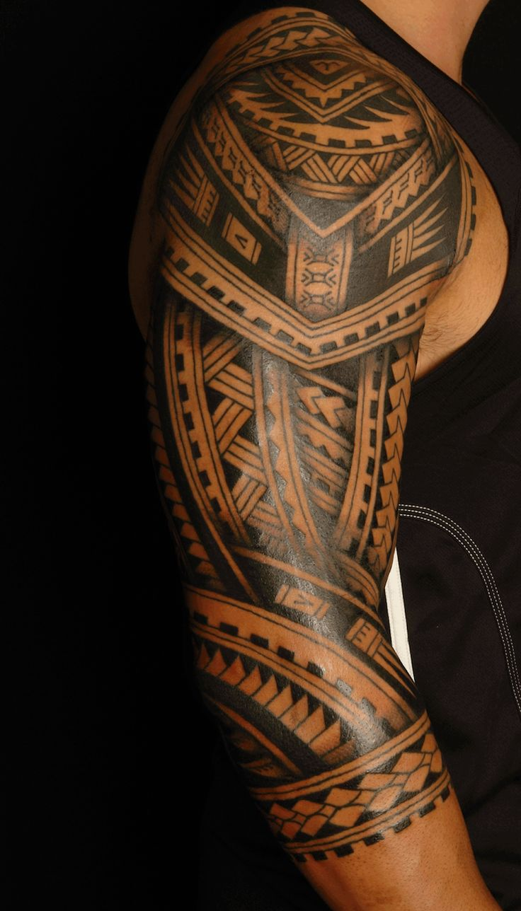 tatouage-polynésien-demi-manchette-homme