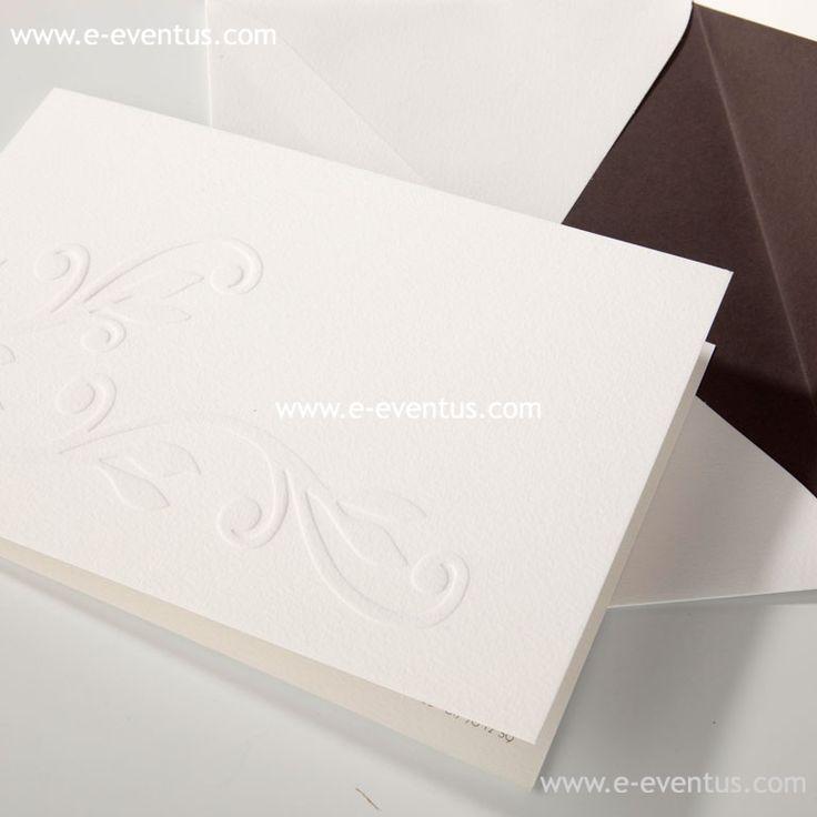 invitacions · invitacions de casament · detalls · casments · wedding · love · barcelona · essence · bodas barcelona · casaments barcelona · bodas madrid · bodas valencia · bodas en zaragoza · bodas en valencia · bodas en andorra · bodas en madrid · customiza · diseño · personalizado · exclusivo · papel · tinta · invitación · nombre · logo · grabado · ideas · hojas · blanco · lila · letras · grabado · invitación · relieve · seco · diseño · boda · informal