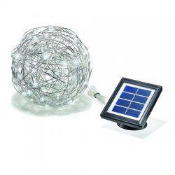 Mooie decoratieve aluminiumdraad bal met hierin verwerkt een LED snoer met 50 helder witte ledlampjes. Deze aluminiumdraad bal van Esotec is dag en nacht een opvallende decoratie.