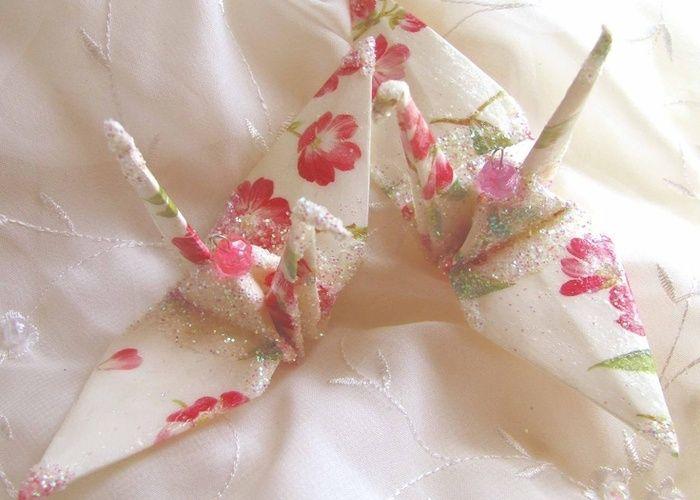 今、海外DIY Weddingで日本の『折り紙』がじわじわ流行!華やかな柄に、願いをこめて♡のトップ画像