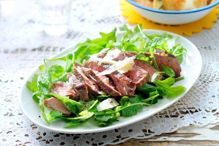 17 juli - Rucola in de bonus - Zomerse biefstuk tagliata met rucola en parmezaan - Recept - Allerhande
