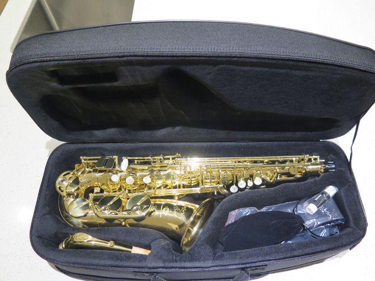 Selmer Alto Saxophone SeleS Axos