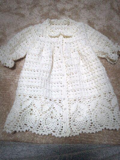 mi-keの*消しゴムはんこ* かぎ針編みのセレモニードレス完成♪ 編み図は河合 真弓さんの『はじめての手編みレッスン 1週間でカンタン! 心地いい赤ちゃんニット』 を見て作りました♪
