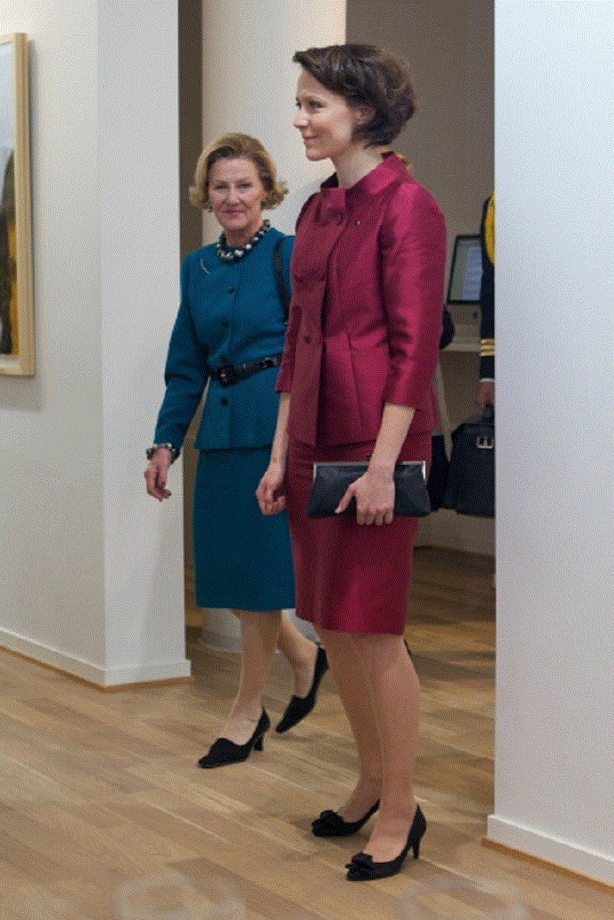 (L)Queen Sonja of Norway and (R)First Lady of Finland Jenni Haukio visit Kunstverket gallery on 10 Oct 2012 in Oslo