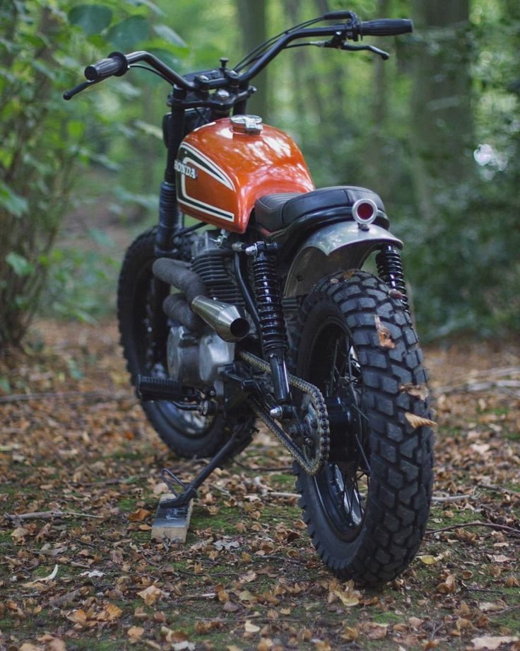 "3,346 Likes, 8 Comments - Los Perdidos (@losperdidos_) on Instagram: ""Honda CM250 Scrambler by @max_inhulsen (2/3) Tag your friends! - - - Follow @_travelersmx for…"""