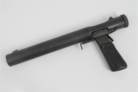 Unusual deactivated SOE .32 ACP 'Welrod' Association pistol with 4 ...