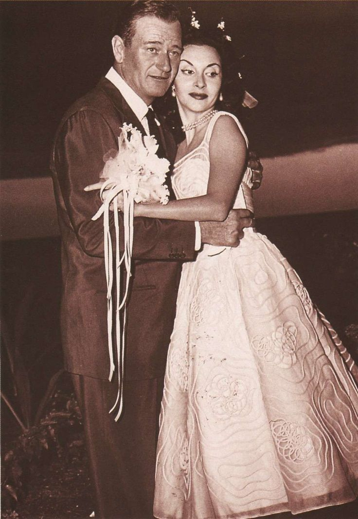 Today 11-1 in 1954, John Wayne married his 3rd wife Pilar Pallete in Hawaii.