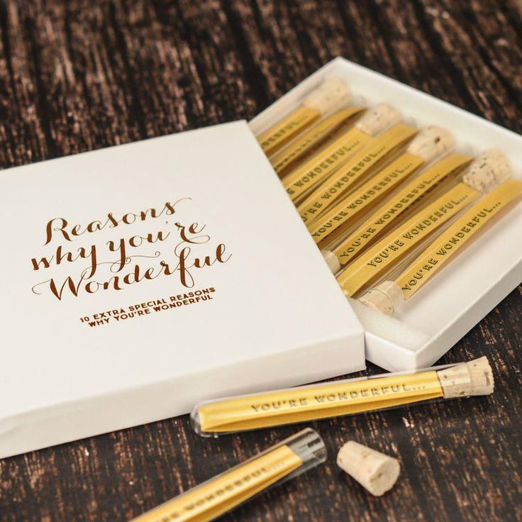 Personalised reasons why you're wonderful keepsake | hardtofind.