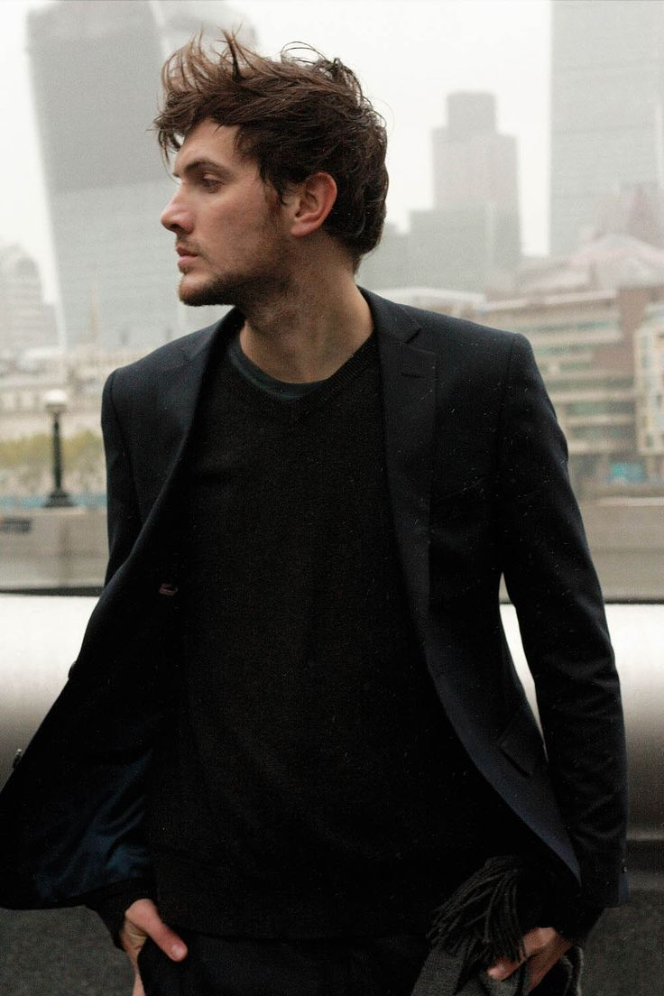 The-Fashion-Jumper-black-suit-London-11