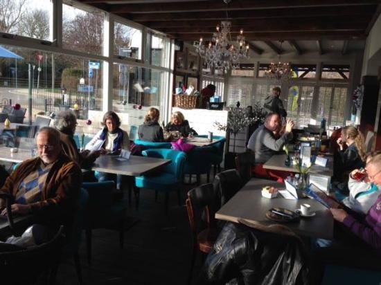 Foto van Brasserie Zeelust, Westenschouwen: Binnen - bekijk 99 onthullende foto's en video's van Brasserie Zeelust gemaakt door TripAdvisor-leden.